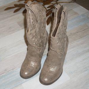Mia Shoes - Mia Cowboy Boots - Size 7